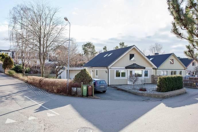 Bild: 6 rum villa på Stutaliden 28, Kungsbacka kommun Vallda