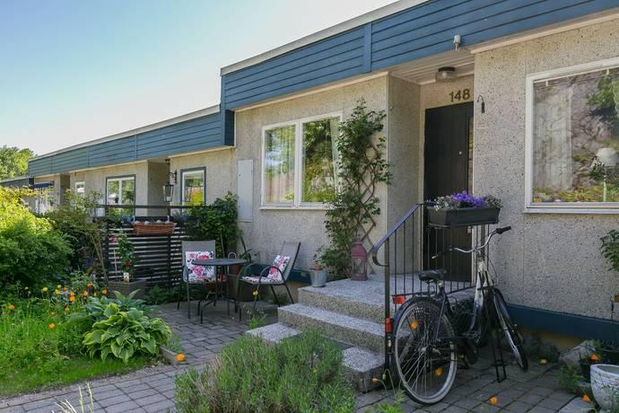 Bild: 5 rum villa på Segeltorpsvägen 148, Huddinge kommun Segeltorp