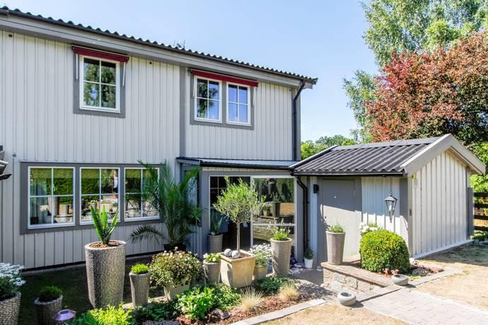 Bild: 5 rum radhus på Tegelmästarevägen 1, Karlshamns kommun