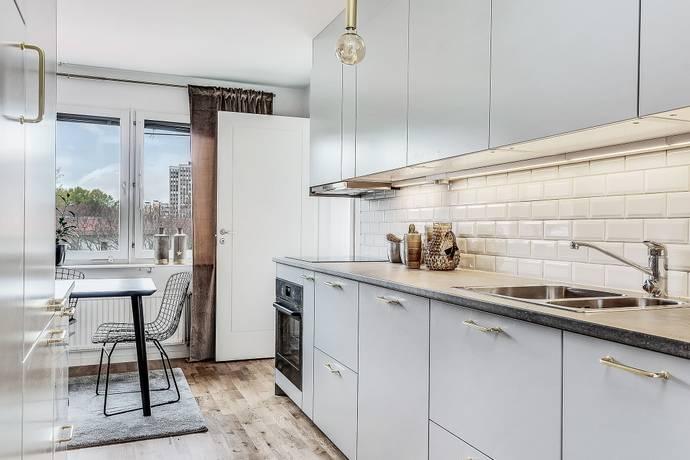 Bild: 2,5 rum bostadsrätt på Regnstigen 6, Solna kommun Solna C / Rudviken