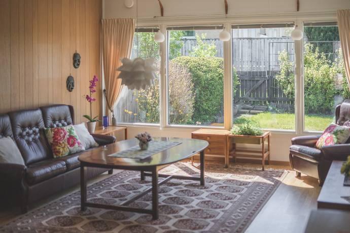 Bild: 4 rum radhus på Huskvarnavägen 96A, Jönköpings kommun Vättersnäs