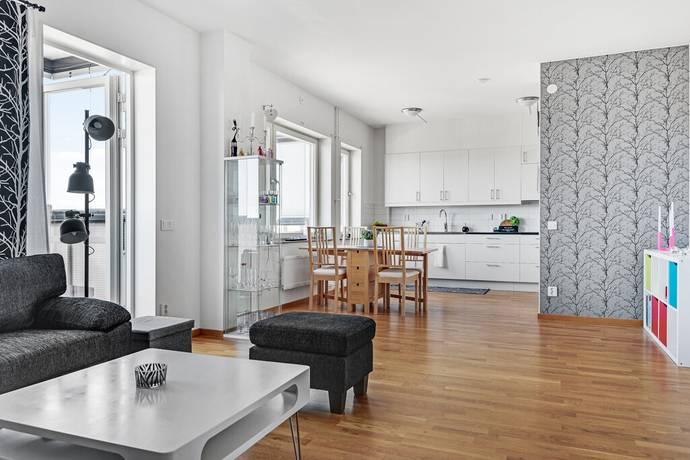 Bild: 2 rum bostadsrätt på Runstenstorget 4, 4 tr, Haninge kommun Centrala Handen