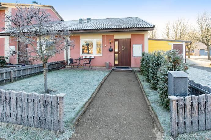 Bild: 3 rum radhus på Smaragdgången  13, Eskilstuna kommun Stenby