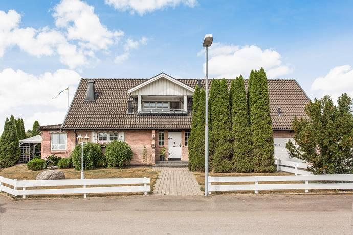 Bild: 5 rum villa på Svanvägen 13, Varbergs kommun Veddige