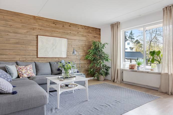 Bild: 2 rum bostadsrätt på Stenbocksvägen 3, Huddinge kommun Solgård