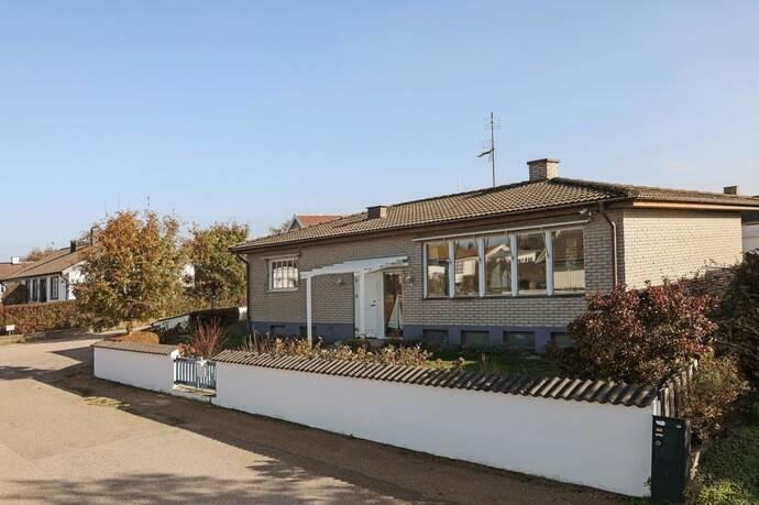 Heden Bastad Karta.Kommendorsgatan 2 I Torekov Villa Till Salu Hemnet