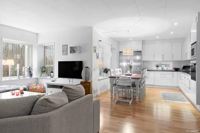 Bild: 3 rum bostadsrätt på Brunnsäpplets väg 2, Varbergs kommun Göingegården
