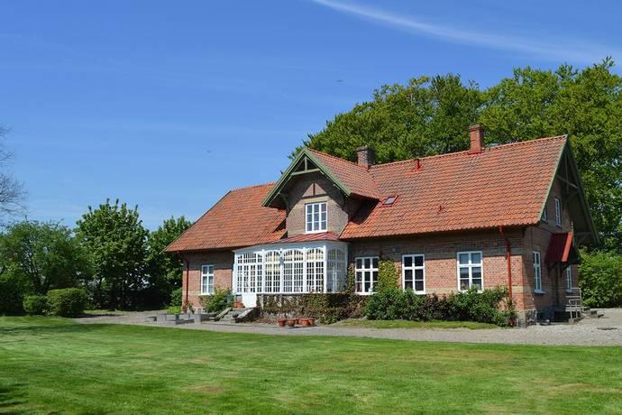 Bild: gård/skog på Källstorpsgården, Trelleborgs kommun Ca 15 km öster om Trelleborg