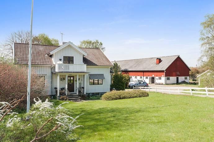 Bild: 10 rum gård/skog på Stockaredsvägen 285B, Kungsbacka kommun Gällinge
