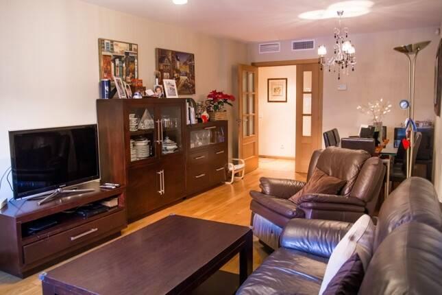 Bild: 4 rum bostadsrätt på Lägenhet med garage Vialia, Spanien Malaga