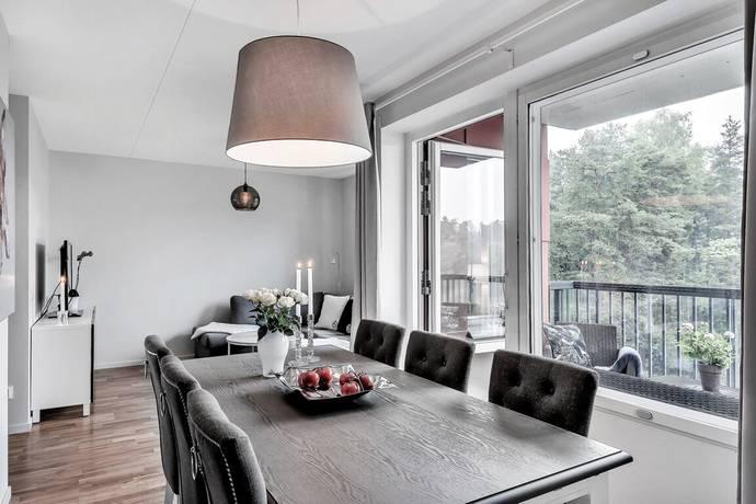 Bild: 2 rum bostadsrätt på Källtorpsvägen 21, Täby kommun Näsby Park