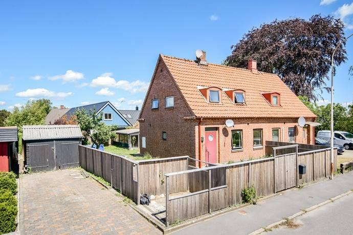 Bild: 4 rum villa på Nygatan 29, Tomelilla kommun Rosendal