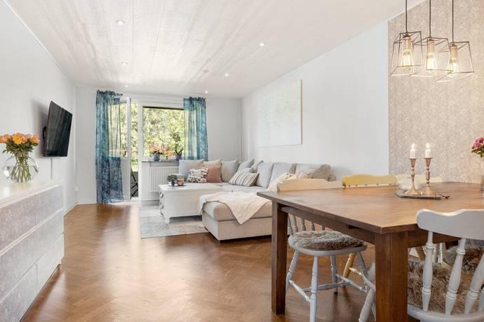 Bild: 2 rum bostadsrätt på Skolgatan 4A, Sigtuna kommun Märsta - Centralt