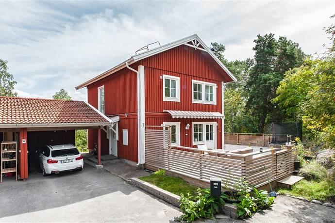 Bild: 5 rum villa på Stubbebacken 7, Huddinge kommun Länna