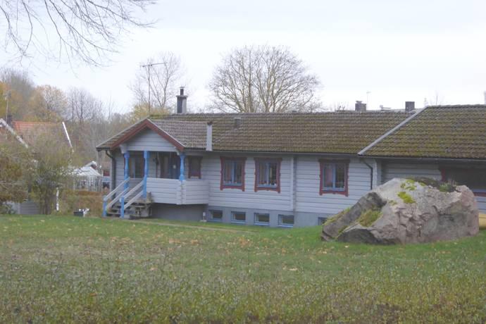 Bild: 6 rum villa på Häradsvägen 22, Mönsterås kommun Ålems kyrkby