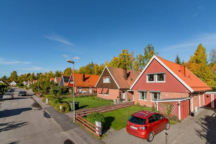 Bild: 4 rum radhus på Lövängsvägen 44, Sandvikens kommun Lassas
