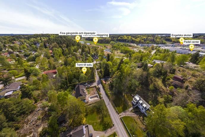 Bild: tomt på Merkuriusvägen 23C, Huddinge kommun Solgård