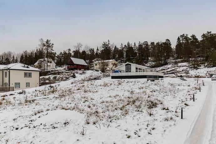 Bild: tomt på Kolarslingan 10, Haninge kommun Handen Kolartorp