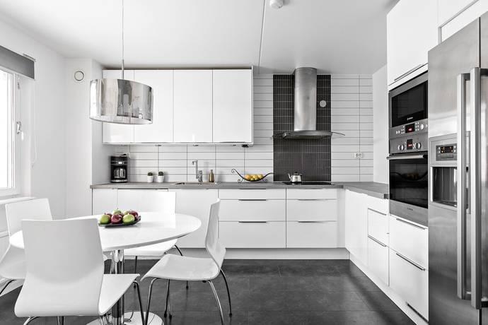 Bild: 4 rum bostadsrätt på Astrakangatan 100, Stockholms kommun Hässelby - Lövsta Allé