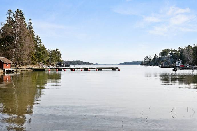 Bild: tomt på Österviksvägen 2-4, Värmdö kommun