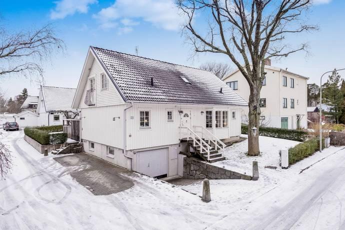 Bild: 7 rum villa på Lillängsgatan 23, Stockholms kommun Bromma Bromma Kyrka
