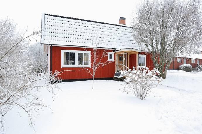 Bild: 6 rum villa på Liljegatan 5, Kumla kommun Haga