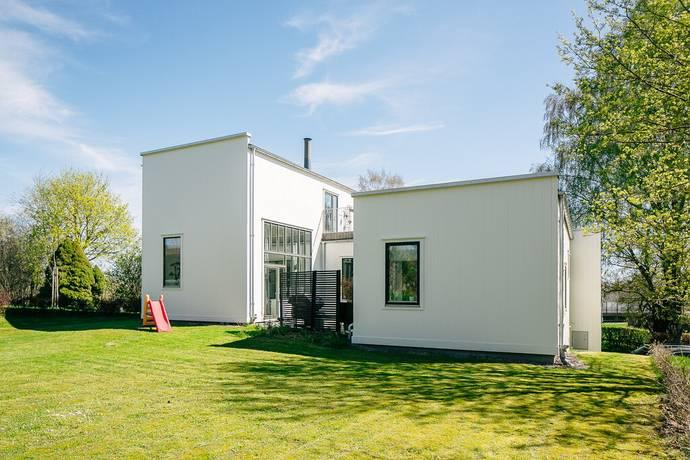 Bild: 6 rum villa på Södra Bergvägen 30, Skövde kommun Billingssluttningen