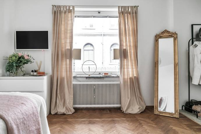 Bild: 1 rum bostadsrätt på Floragatan 7, Stockholms kommun Östermalm