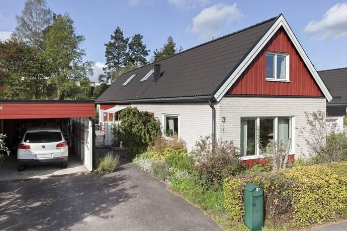 Bild: 7 rum villa på Uttervägen 3, Sigtuna kommun Norrbacka