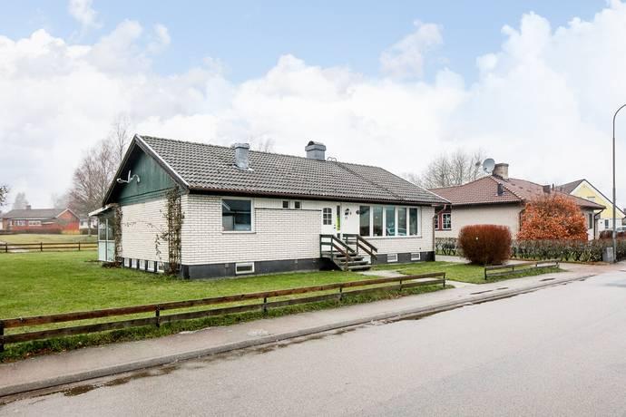 Bild: 4 rum villa på Vallgatan 11, Uppvidinge kommun Lenhovda