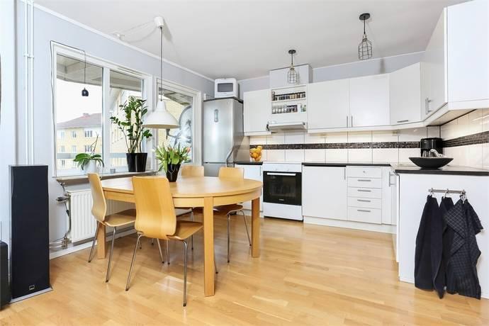 Bild: 1,5 rum bostadsrätt på Albertinas Väg 49, Östhammars kommun Alunda