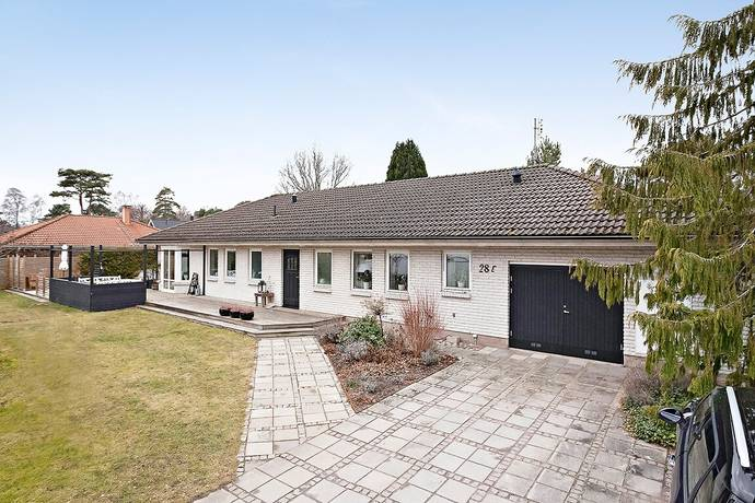Bild: 5 rum villa på Sjötorpsvägen 28E, Vellinge kommun Höllviken