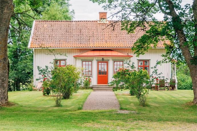 Bild: 6 rum villa på Skånings-Åsaka Storegården 1, Skara kommun Skara