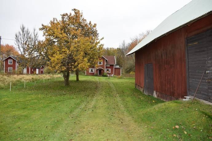 Bild: 6 rum gård/skog på Hornaryd Slätt 2, Växjö kommun Braås