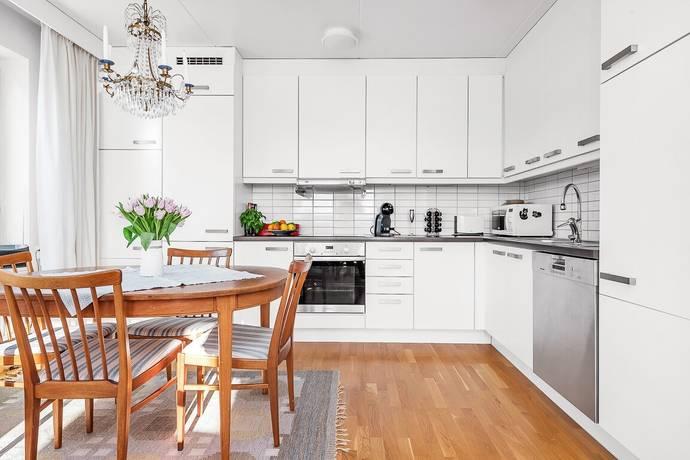 Bild: 3 rum bostadsrätt på Margaretavägen 4, Täby kommun Täby Kyrkby