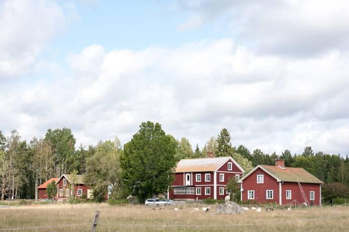 Bild: 7 rum gård/skog på Furbo 105, Sala kommun Furbo