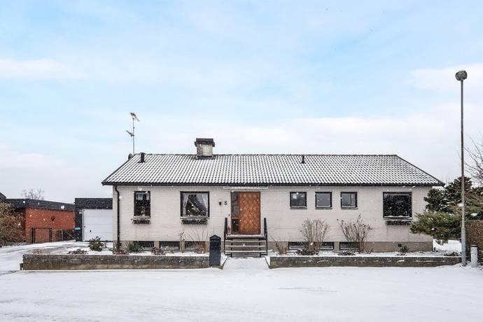Bild: 4 rum villa på Runstensvägen 8, Eslövs kommun Flyinge
