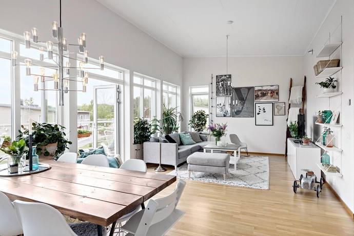Bild: 3 rum bostadsrätt på Skogaholmsvägen 53 F, Karlstads kommun Råtorp / Älvåker