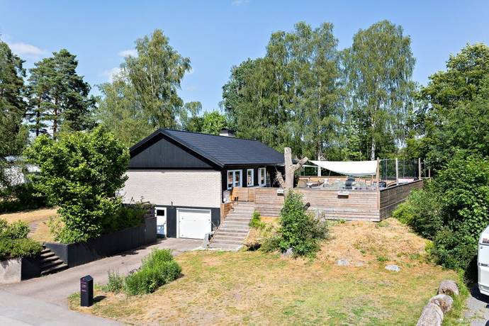 Bild: 5 rum villa på Östgötagatan 25, Nybro kommun Västeräng