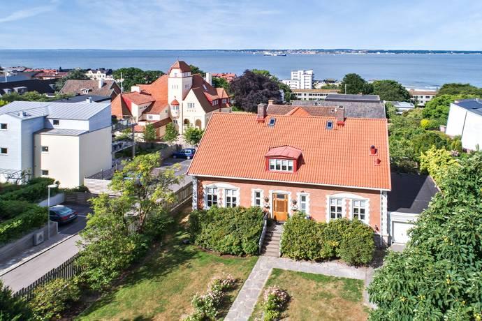 Bild: 7 rum villa på Karl X Gustavs gata 41, Helsingborgs kommun Tågaborg
