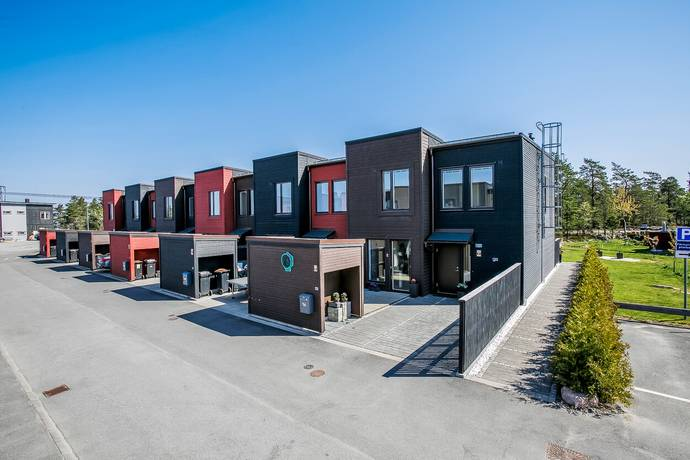 Bild: 5 rum radhus på Västfjordsgatan 56, Stockholms kommun Kistahöjden