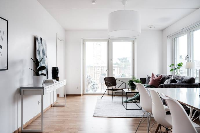 Bild: 2 rum bostadsrätt på Trubadurvägen 1, 5 tr, Solna kommun Huvudsta/Västra Skogen