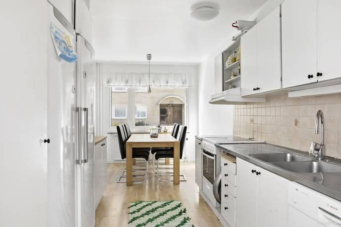 Bild: 3 rum bostadsrätt på Axel Oxenstiernas Gata 28, Västerås kommun Bäckby