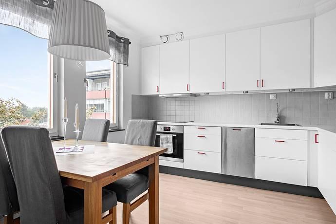 Bild: 2 rum bostadsrätt på Ormingeringen 64, Nacka kommun Västra Orminge