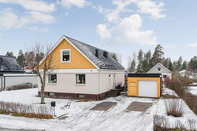 Bild: 5 rum villa på Ringvägen  62, Katrineholms kommun Katrineholm Laggarhult