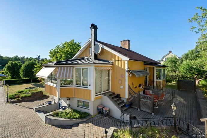 Bild: 5 rum villa på Venusvägen 9, Järfälla kommun Skälby