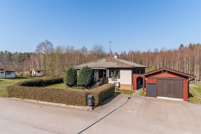 Bild: 4 rum villa på Nilzéns väg 24, Oskarshamns kommun Norrby