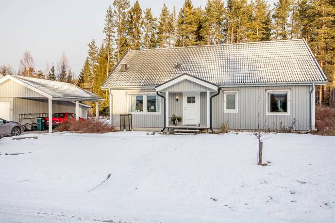 Bild: 6 rum villa på Orrtjärnsgränd 4, Timrå kommun Bergeforsen/Timrå