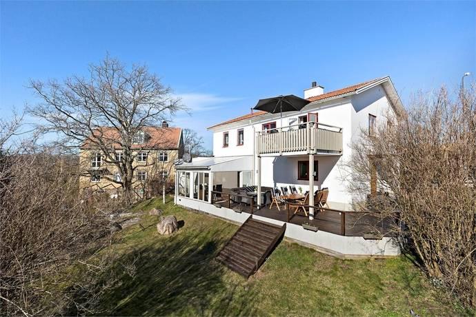 Bild: 5 rum villa på Kronobergsgatan 37, Karlskrona kommun Bergåsa