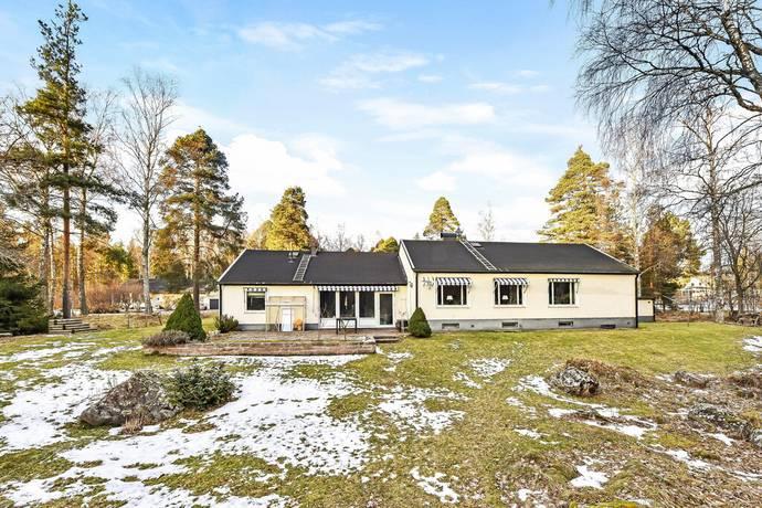 Bild: 8 rum villa på Kyrkängsvägen 10, Gävle kommun Bomhus